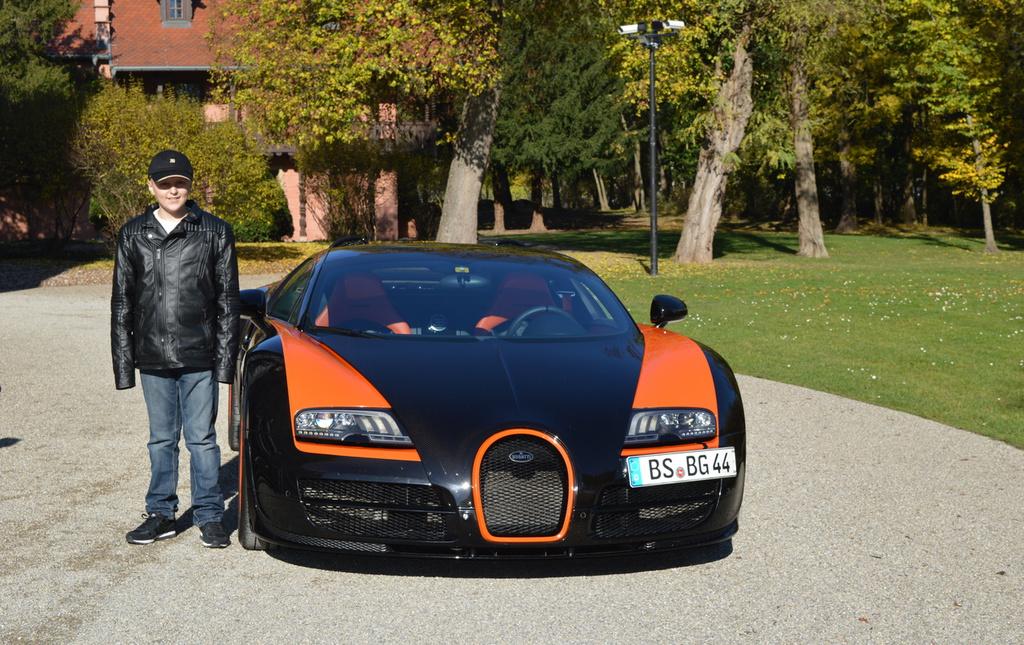 Large 1024 645 2014 098 artec   bugatti    001  1